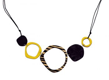 Retro 5 piece statement wooden necklace in yellow