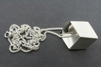 Flattened cube pendant on 60 cm link chain