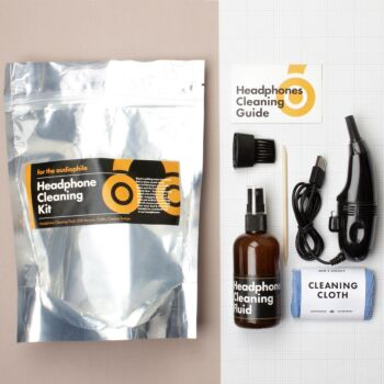 Headphones Cleaning Kit Pouch.