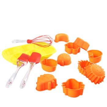 Gourmet Kitchen 14 Piece Baking Set With Cake Mould/Spatula/Brush/Whisk - Multi Colour