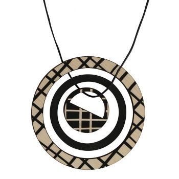 Pendant in black with lines