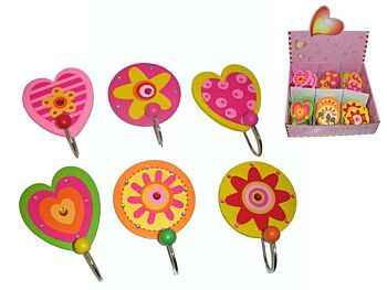 WOODEN FLOWER AND HEART HOOKS